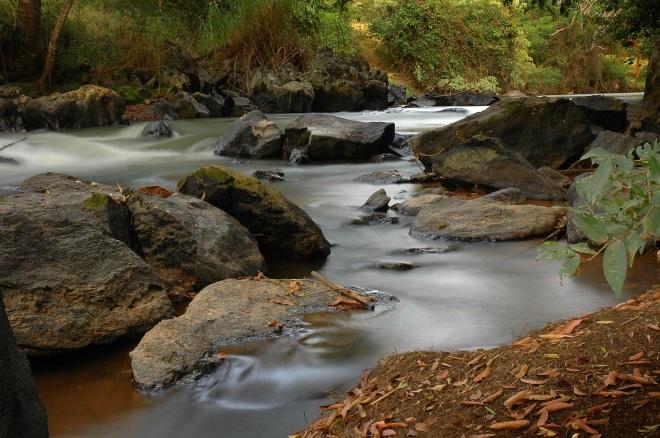 Baixa Velocidade, movimento da água borrado
